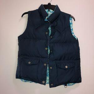NWOT AEO Reversible Puffer Vest Blue Floral Size M